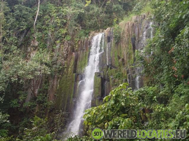El Salvador - Sucgitoto en de Cascad los Tercois