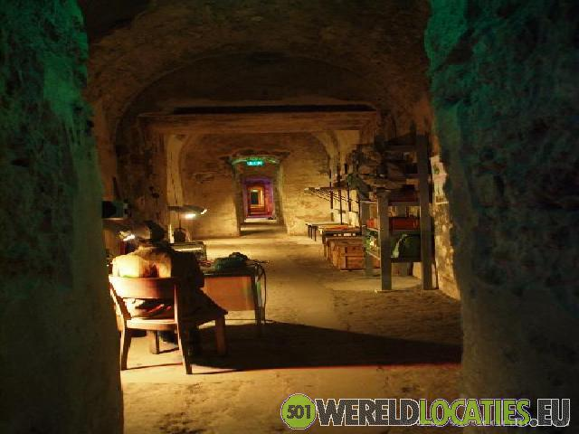 Estland - Catacomben onder oud Tallinn