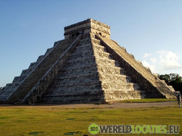 Mexico - De piramide van Kukulcán