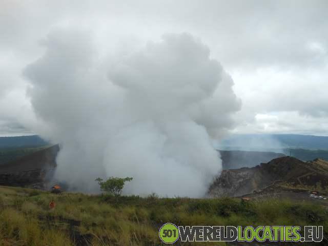 Met de auto tot aan de Masaya krater