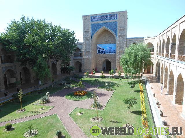 Chorsu bazaar in old Tashkent