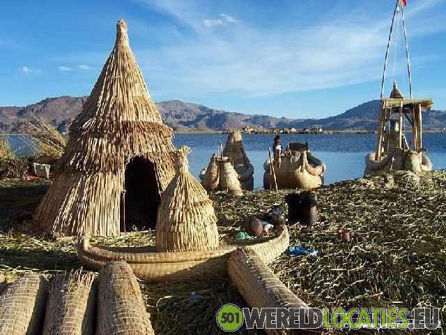 Peru - De Uros eilanden in het Titikakameer