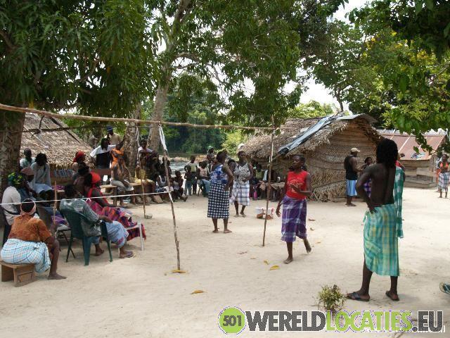 Suriname - Drietabbetje
