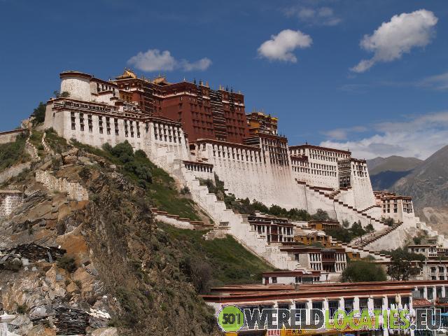 Het Tibetaanse Potala Paleis in Lhasa