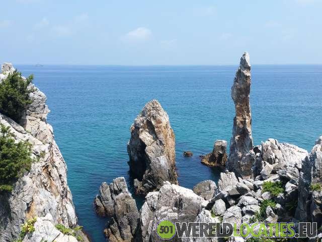 Zuid Korea - Candlestick Rock van Donghua